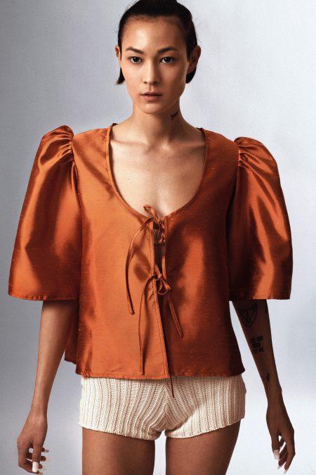blouse AGNES en soie sauvage irisé orange - MaisonCléo