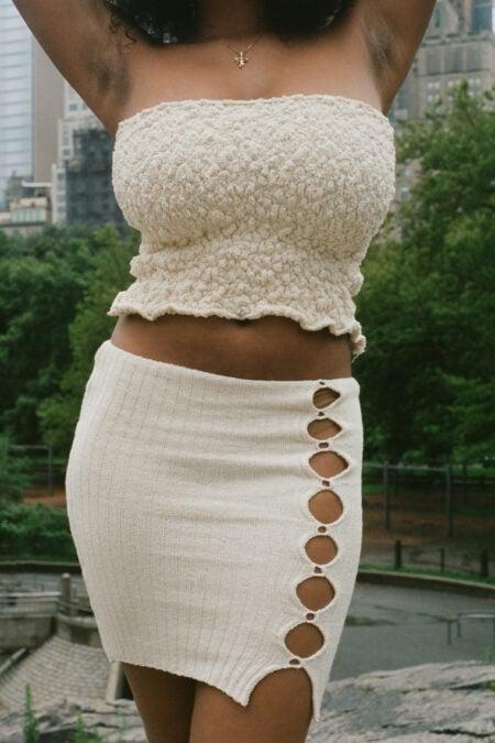 Jupe ecru mi-longue ouvertures Anania en coton tricoté - MaisonCléo