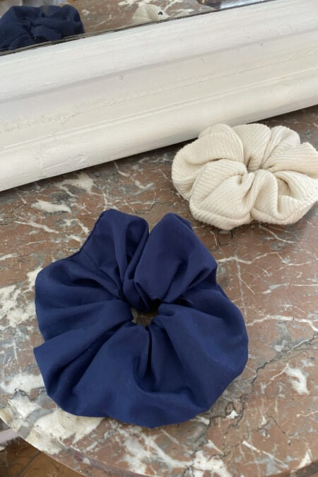 Ecru ribbed wool and navy blue cotton pack of two scrunchies - MaisonCléo