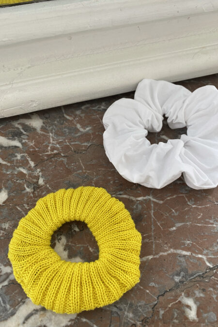Yellow wool and white cotton pack of two scrunchies - MaisonCléo